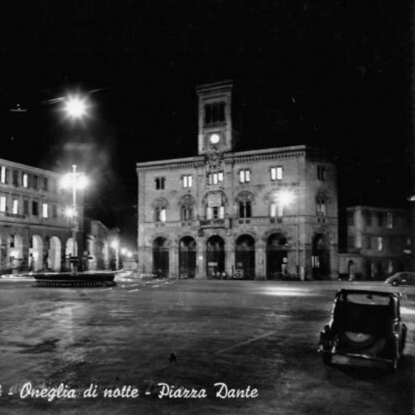 oneglia piazza dante